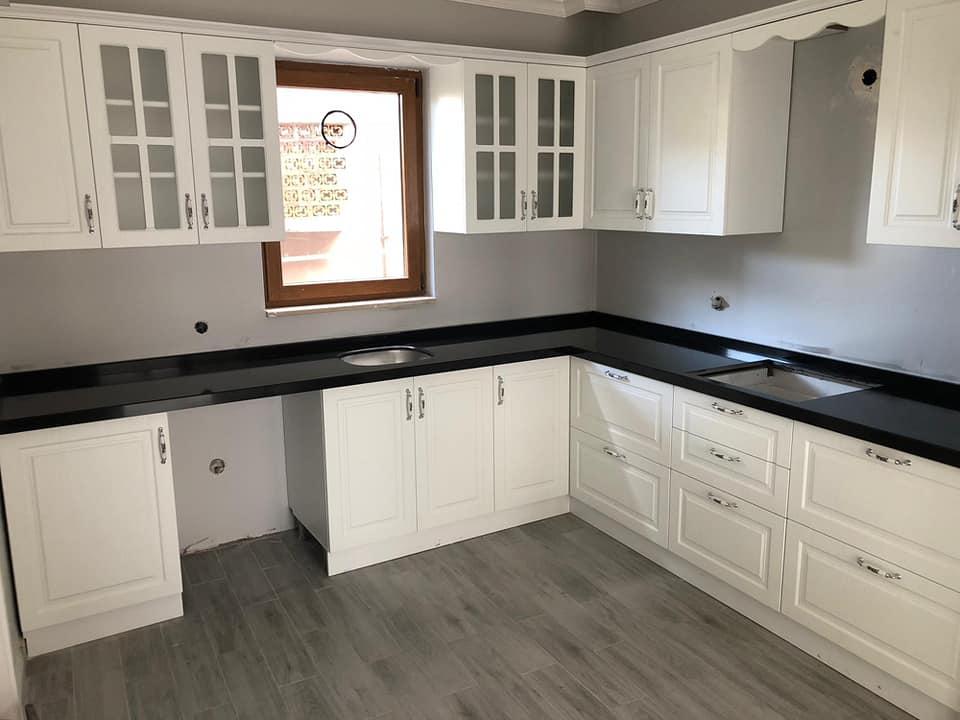 çimstone siyah mutfak tezgahı