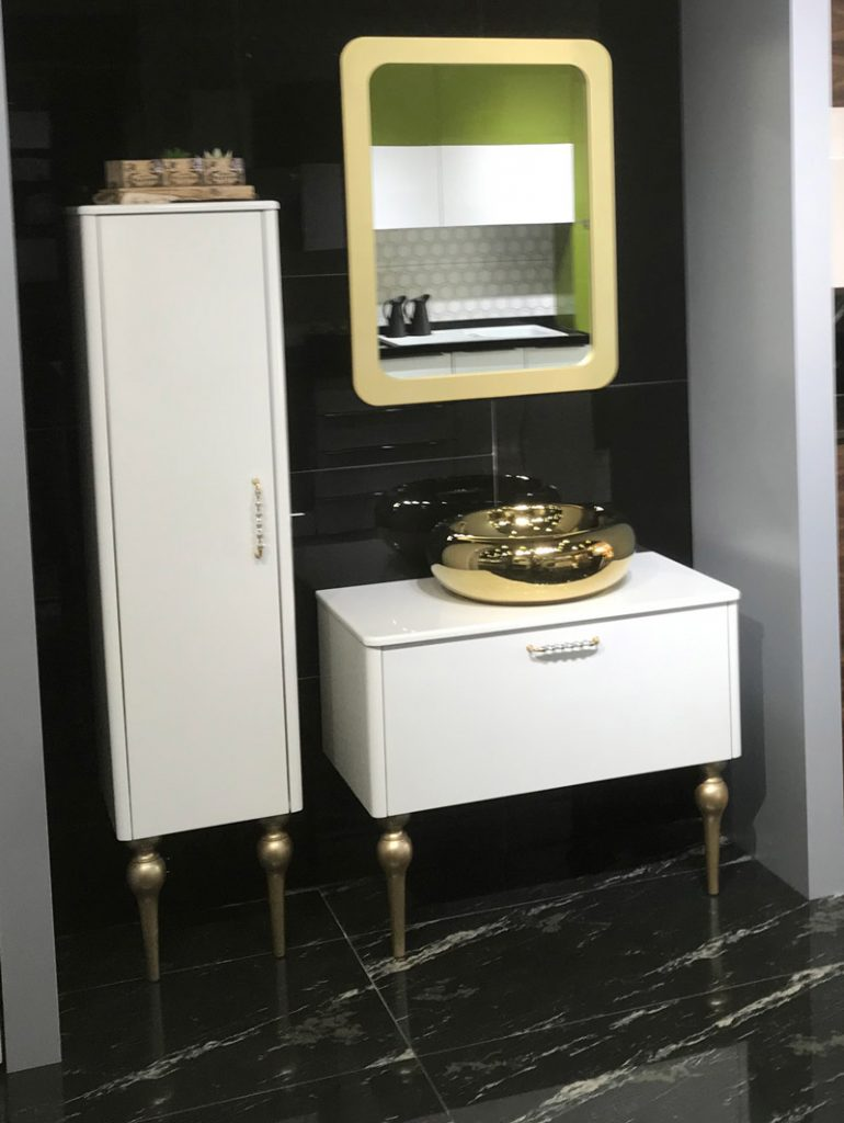 Altın Banyo Tezgahı